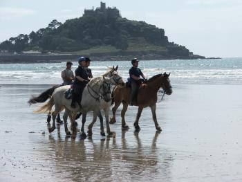 B & B for Horses, Breeding Company, Training Company, Horse Trekking Station, Riding Stable, B & B for Horsemen, Western Riding Stable, Hotel for Horsemen in Churchtown, St Hilary, Penzance, Cornwall
