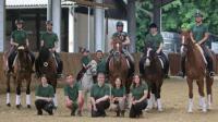 Reitunterricht für Privat- und Schulpferdereiter, Unterstellmöglichkeiten für Ihr Pferd und Hippotherapie.